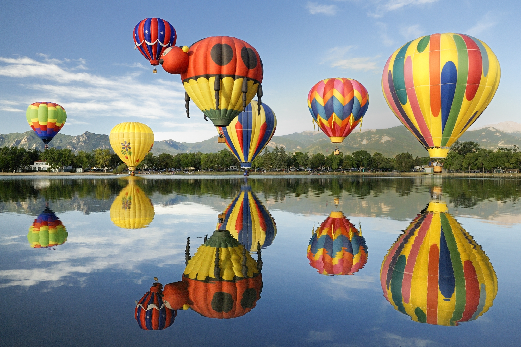 Hot Air Balloon Festival, un evento que eleva un espectacular y gigantesco globo del Osito Bimbo por todo Estados Unidos