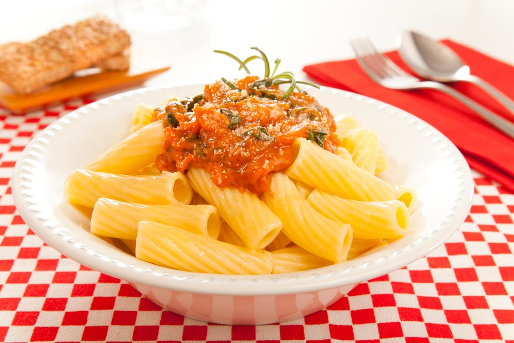Tortiglioni with multigrain nut sauce